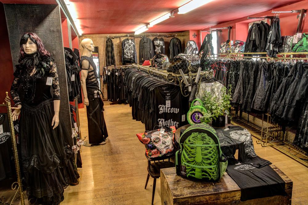 W13 Store Gothic Bekleidung